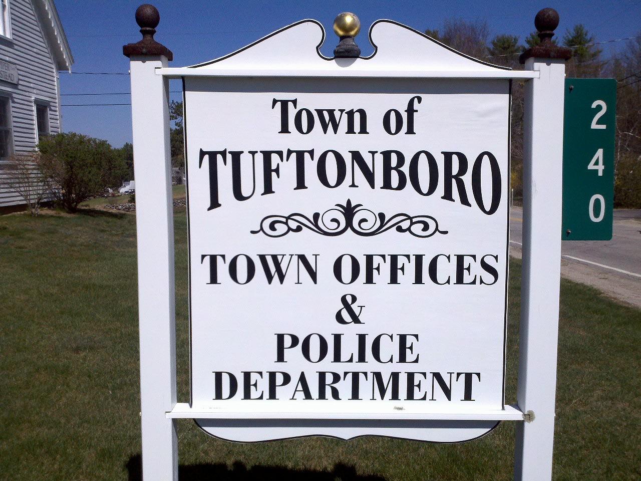 Tuftonboro Sign