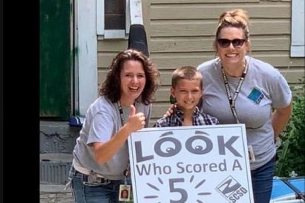 """Look Who Scored a 5"" Signs"
