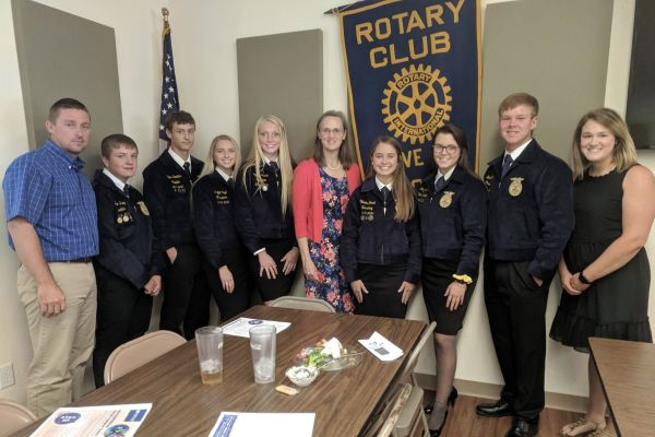 SHS FFA Members Join Rotary For Lunch