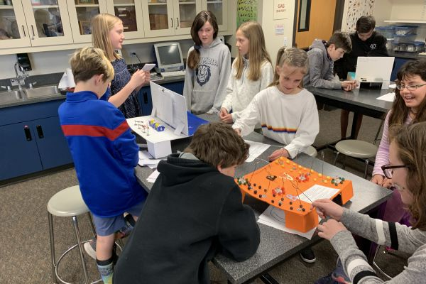 6th graders designing circuit games in science