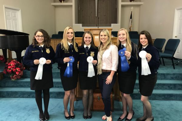 Suwannee FFA Competes in Sub-District Contest