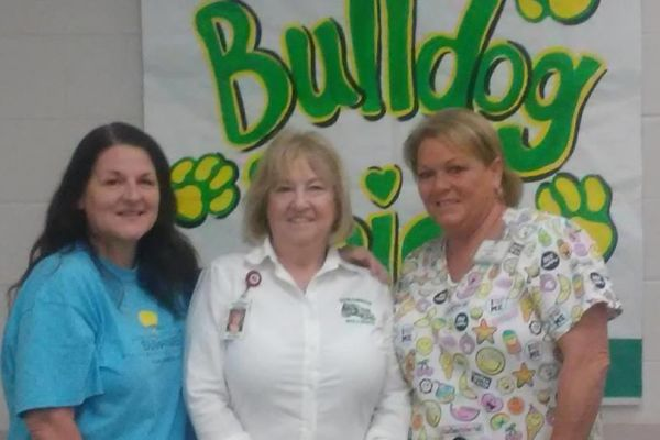 Suwannee High School Receives Donation from the Suwannee Health and Rehabilitation Center