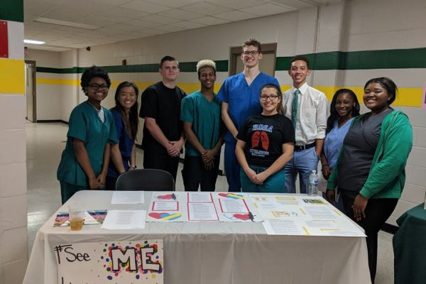 Suwannee High School Hosts Career and Technical Showcase Night