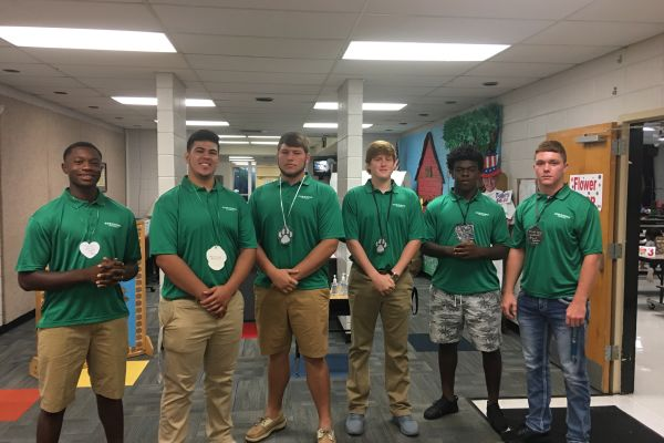 SPS Welcomes SHS Football Players to Campus