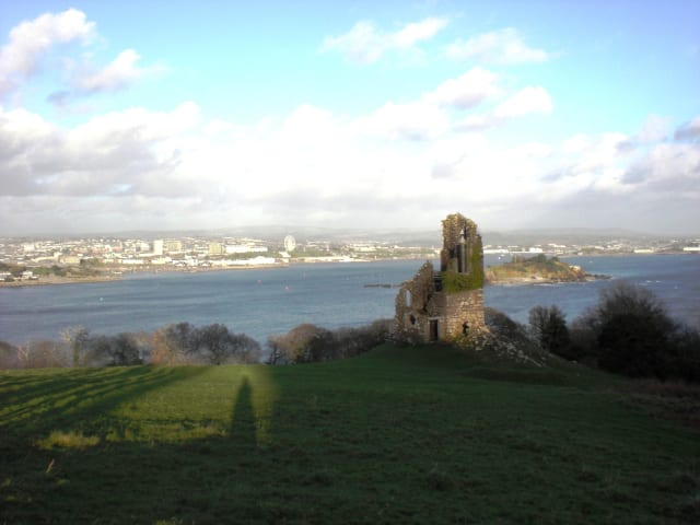 Cliff Climbing Mount Edgcumbe in Southern England