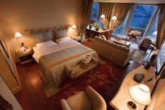 Signature Lake Suite at Villa Principe Leopoldo