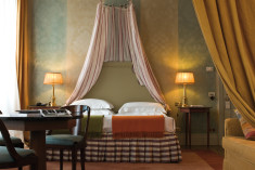 Romantic Jr. Suite at Antica Torre di Via Tornabuoni n.1