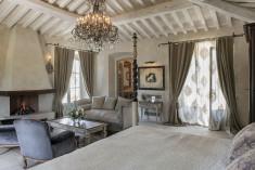 La Casa dell'Unicorno at Relais Borgo Santo Pietro