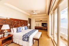 Master Suite at Grand Miramar All Luxury Suites & Residences