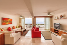 Grand 3 Bedroom at Grand Miramar All Luxury Suites & Residences