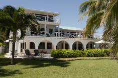 Casa Azul at Victoria House Resort & Spa