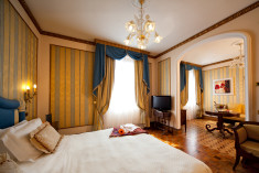 Classic Suite at Due Torri Hotel