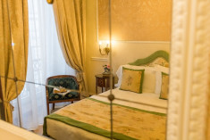 Classic room at Bernini Palace Hotel, Florence