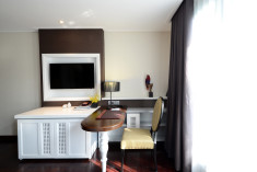 Deluxe Room at The Chi Boutique Hotel