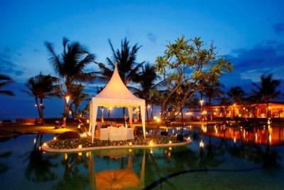 Honeymoon Escape in Paradise