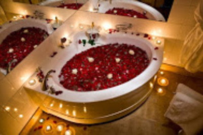 Romantic rose bath with candles