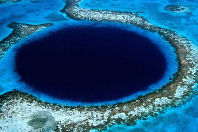 The Great Blue Hole Diving