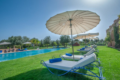 VILLA DES SENTEURS - MARRAKECH - HUGE POOL AND 13 BEAUTIFUL SUITES