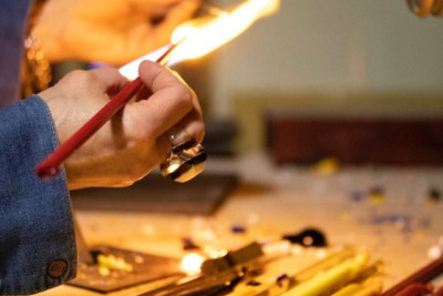 Lampworking to Make Your Own Glass Bead Souvenir