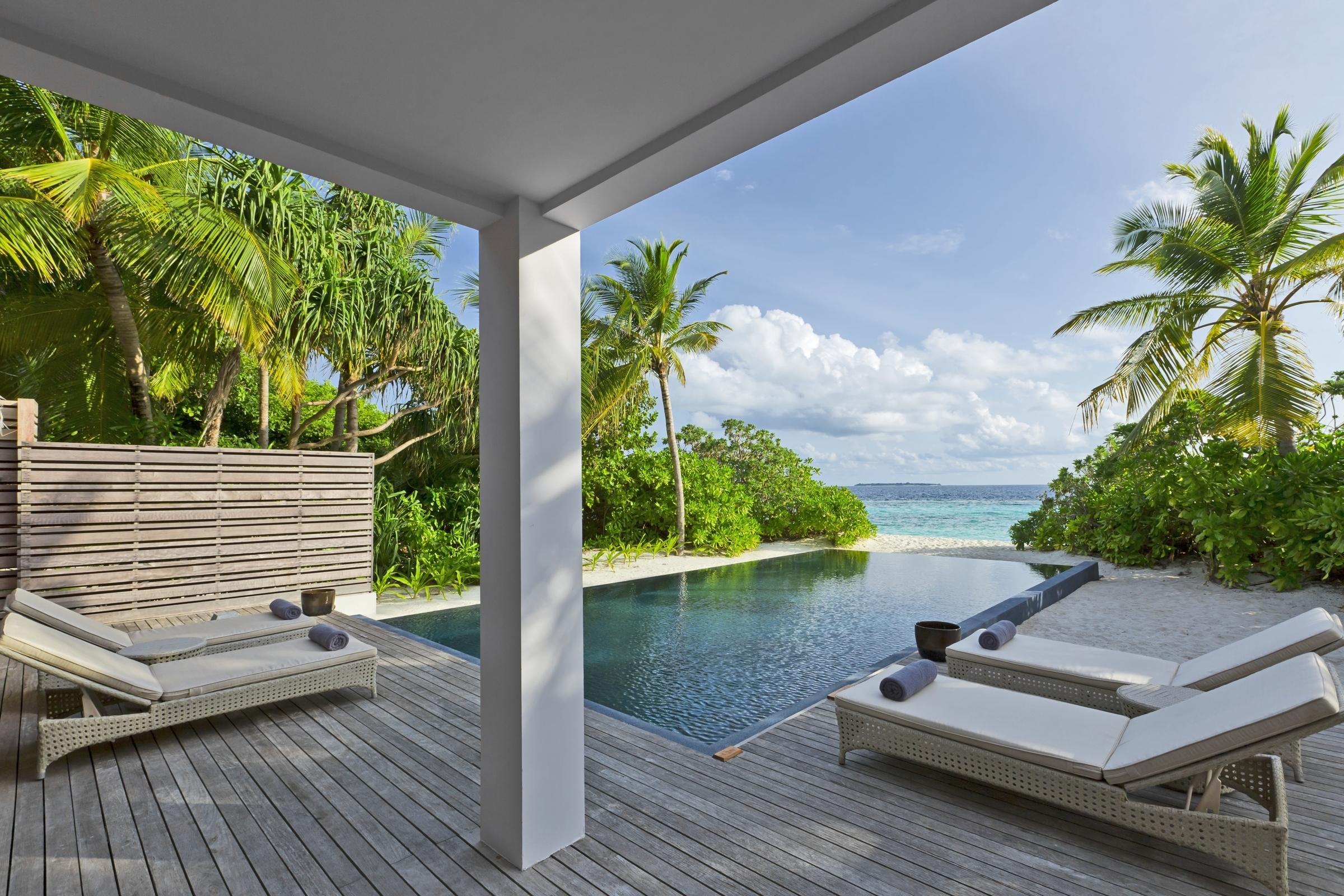 Dusit Thani Maldives Couple Getaways The Romantic Tourist