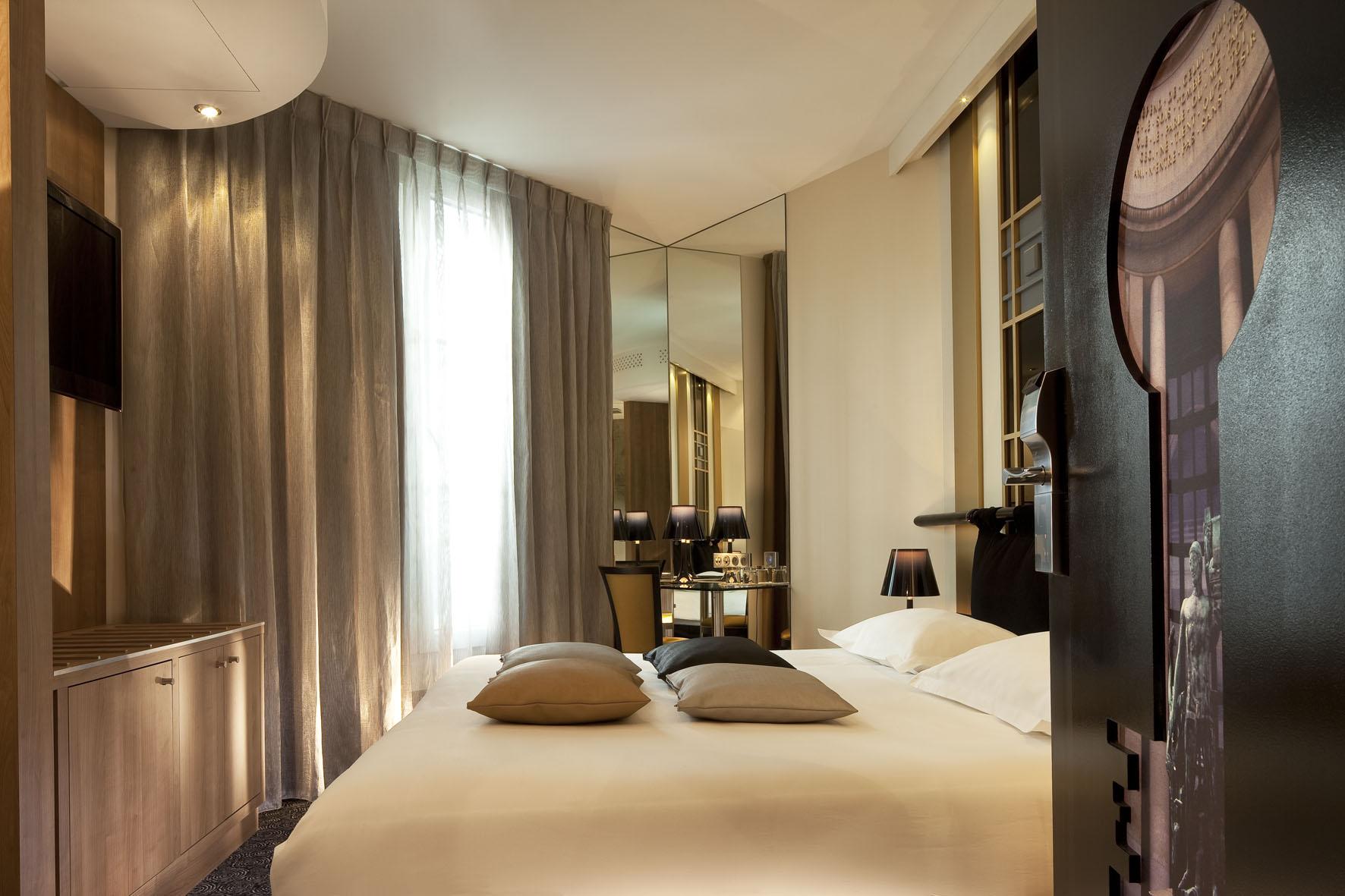 Hotel design secret de paris most romantic hotel in for Hotel design paris 8