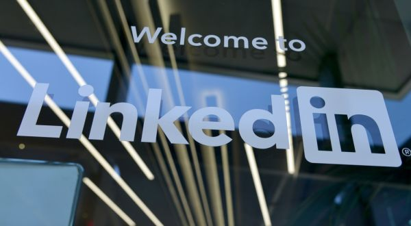 Image of New Era Pioneers: How CEOs can use LinkedIn to drive business & a bright future event