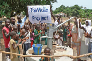 The Water Project: Lungi, Kasongha Well Rehabilitation -