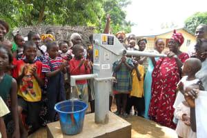 The Water Project: Lungi - Masoila - 28 Conteh St Well Rehabilitation -