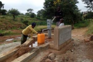 The Water Project: Isunguluni Mutomo Community A -