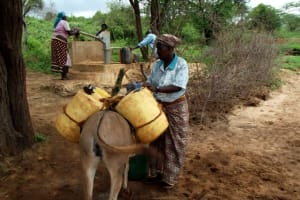 The Water Project: Kithaayoni Community A -