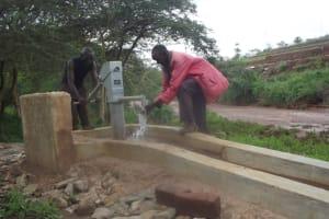 The Water Project: Nzengu Nngomani Shallow Well #2 -