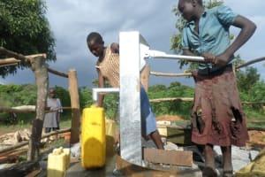 The Water Project: Siriba Kitereke Hand Dug Well Project -