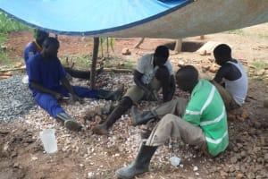 The Water Project: Ayuda Wang Jamadi Shallow Well Project -