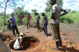 The Water Project: Alero B Wang Obwoch Hand Dug Well Project -