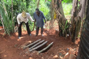 The Water Project: Minyika Community, Hedwe Spring -