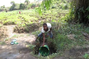 The Water Project: Sumbuya Community, Quarry Road -  Fetching Water