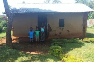 The Water Project: Shitaho Community B, Isaac Spring -  Children In Front Of Home