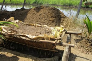 The Water Project: Rogbere Community -  Salt Processing