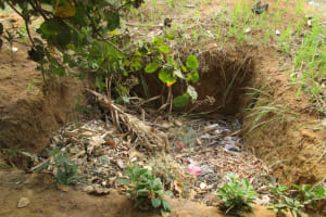 The Water Project: Tholmosor Community -  Compost Pit