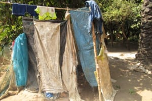 The Water Project: Conakry Dee Community A -  Bath Shelter
