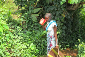 The Water Project: Kasongha Community, 16 Komrabai Road -  Drinking Dirty Water