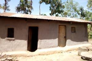 The Water Project: Kakubudu Community, Fred Lagueni Spring -  Homestead