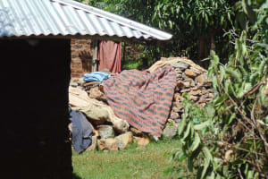 The Water Project: Lugango Community, Lugango Spring -  No Clothesline