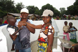 The Water Project: Conakry Dee Community A -  Clean Water