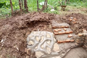 The Water Project: Lutonyi Community, Shihachi Spring -  Construction