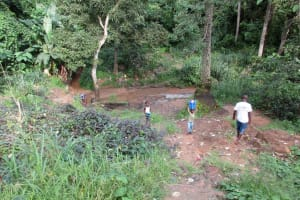 The Water Project: Benke Community, Waysaya Road -  Current Water Source