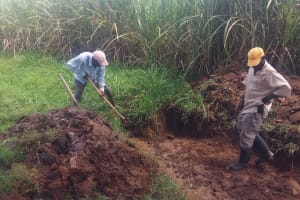 The Water Project: Shitoto Community, William Manga Spring -  Spring Excavation