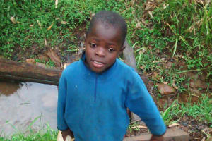 The Water Project: Elukani Community, Ongari Spring -  Fetching Dirty Water