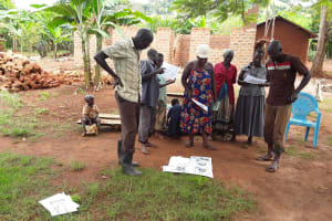 The Water Project: Maiha-Kayanja Community -  Indentifying Good And Bad Practices