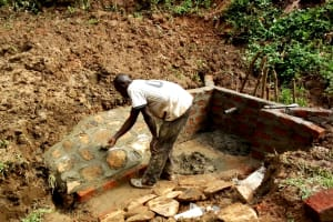 The Water Project: Elukani Community, Ongari Spring -  Construction